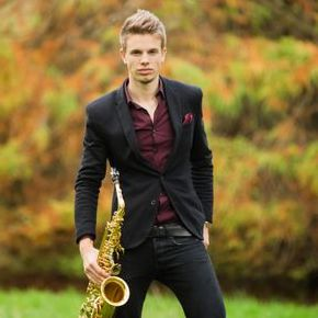 Dan Goode - Saxophonist/DJ - DJ , Essex, Solo Musician , Essex,  Saxophonist, Essex Wedding DJ, Essex Mobile Disco, Essex Party DJ, Essex Club DJ, Essex