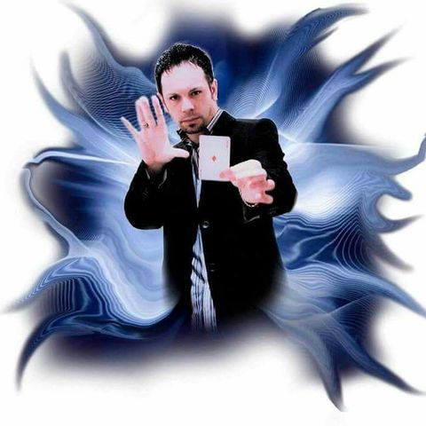 Glenn Fielding - Close up Illusionist Wedding Magician