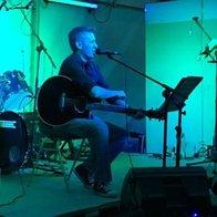 Carl Komuro Singing Guitarist