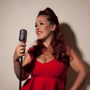 Holly Jayne - Singer , Warwick,  Vintage Singer, Warwick Wedding Singer, Warwick Live Solo Singer, Warwick Soul Singer, Warwick Singer and a Guitarist, Warwick