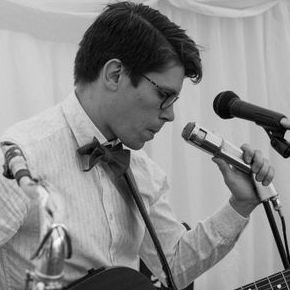 Grant Carruthers - Solo Musician , Hackney, Singer , Hackney,  Singing Guitarist, Hackney Saxophonist, Hackney Wedding Singer, Hackney Live Solo Singer, Hackney Jazz Singer, Hackney Soul Singer, Hackney Singer and a Guitarist, Hackney
