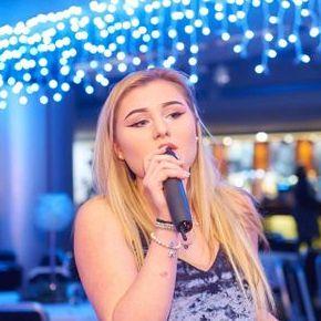 Hannah Preston Live Solo Singer