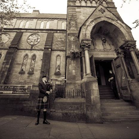 Glasgow Bagpiper for Hire Solo Musician