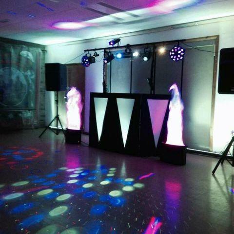 RD Discos - DJ , Sunderland,  Wedding DJ, Sunderland Karaoke DJ, Sunderland Mobile Disco, Sunderland Party DJ, Sunderland