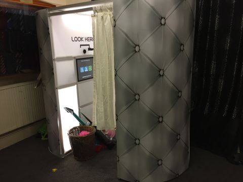 Uberbooth Wales Photo or Video Services