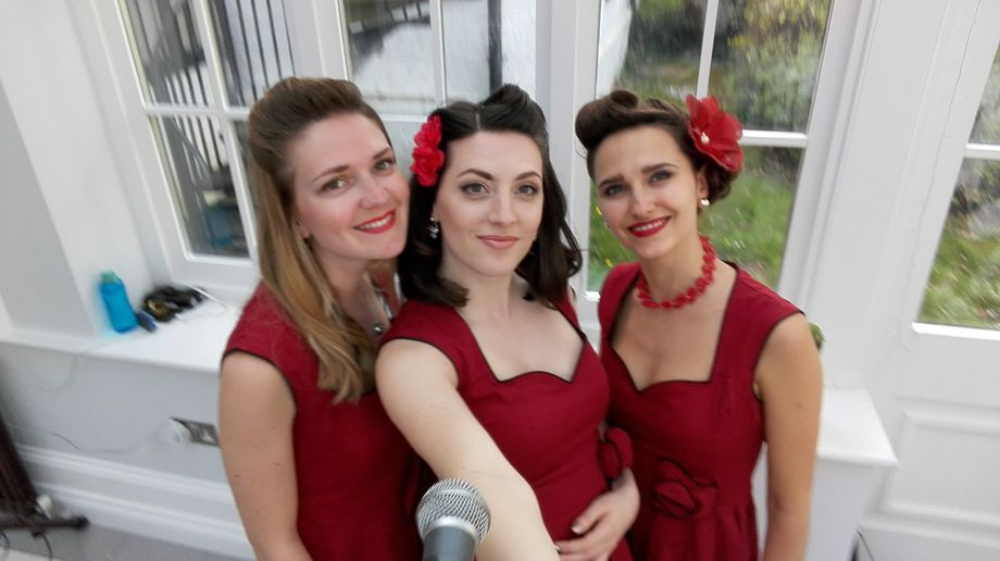 The Lollipops - Live music band Ensemble Tribute Band Singer  - London - Greater London photo