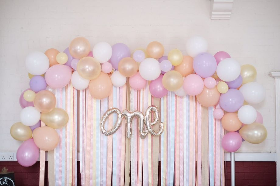Lulabelles chair covers mildenhall suffolk for How to make a balloon and streamer backdrop