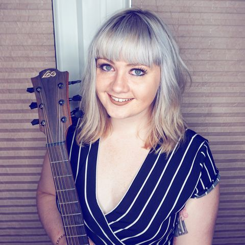 Yasmin Worrall - Singer , Arbroath, Solo Musician , Arbroath,  Wedding Singer, Arbroath Live Solo Singer, Arbroath Singer and a Guitarist, Arbroath