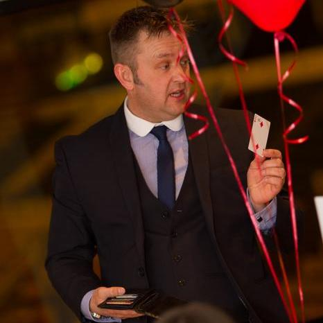 Mark Daynes Magician  Wedding Magician
