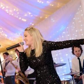 Groovestone - Live music band , Greater London, DJ , Greater London, Singer , Greater London,  Function & Wedding Band, Greater London Soul & Motown Band, Greater London Wedding Singer, Greater London Wedding DJ, Greater London Party DJ, Greater London Funk band, Greater London Pop Party Band, Greater London Electronic Dance Music Band, Greater London