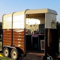 Henny's Vintage Caravan and Vintage Horsebox Mobile bar Catering