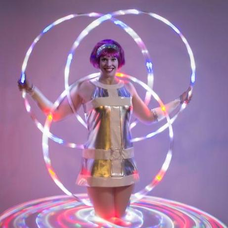 Kat Collett - Circus Entertainment , Bristol,  Fire Eater, Bristol Balloon Twister, Bristol Circus Entertainer, Bristol