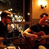 Lo & Behold Singing Guitarist