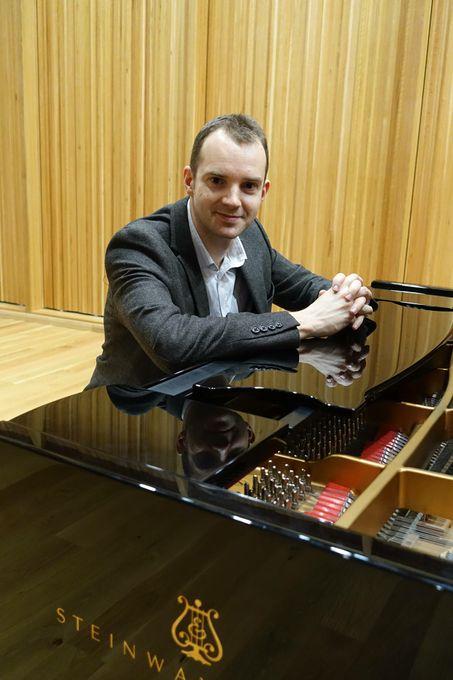 Martyn Croston - Pianist - Solo Musician  - Guildford - Surrey photo