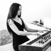 Valeriya - Live music band , York, Solo Musician , York,  Jazz Band, York Pianist, York