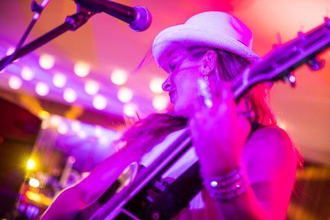 Catherine Taylor-Dawson - Live music band , Cheshire, Singer , Cheshire, Solo Musician , Cheshire,  Singing Guitarist, Cheshire Wedding Singer, Cheshire Live Solo Singer, Cheshire Soul Singer, Cheshire