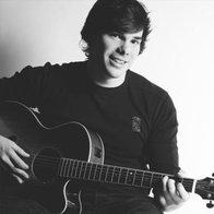 Rob Singing Guitarist