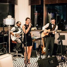 Stephanie Jane Oliver - Live music band , London, Singer , London,  Function & Wedding Music Band, London Soul & Motown Band, London Wedding Singer, London Live Solo Singer, London Live Music Duo, London Singer and a Guitarist, London Indie Band, London