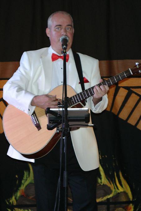 Geoff Stephens - Solo Musician Singer  - Folkestone - Kent photo