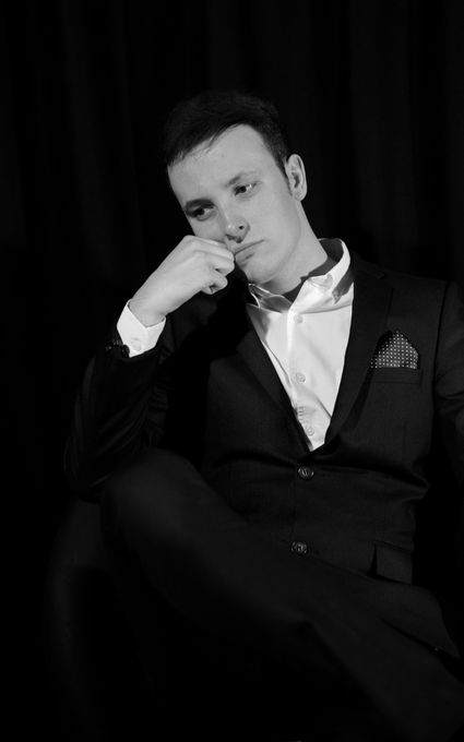 Sean Perkins Vocalist & DJ - Live music band DJ Singer  - Wigan - Greater Manchester photo