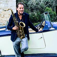 Kevin McMahon  Saxophonist Saxophonist