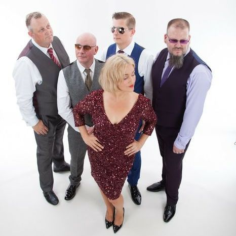 Face the Music - Live music band , Doncaster,  Function & Wedding Band, Doncaster Soul & Motown Band, Doncaster Disco Band, Doncaster Rock Band, Doncaster Pop Party Band, Doncaster
