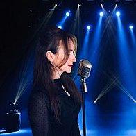 Karen Carpenter Tribute Singer
