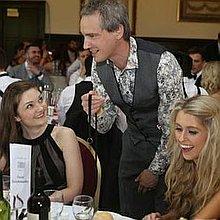 Martin Hinchliffe : Close Up Magician Table Magician