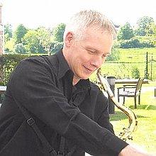Simon the Sax Solo Musician