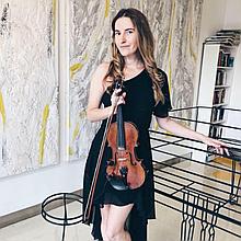 Anastasiya Sia Violinist