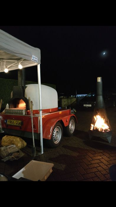 Hire Veloce fresco pop up pizzas for your event in South Yorkshire