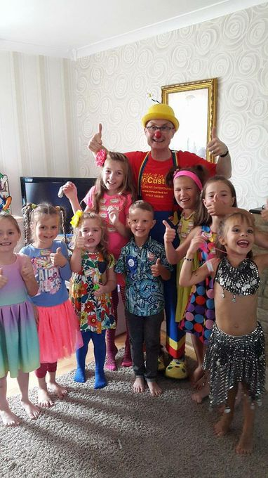 Bluenose Entertainments - Children Entertainment Magician  - Corby - Northamptonshire photo