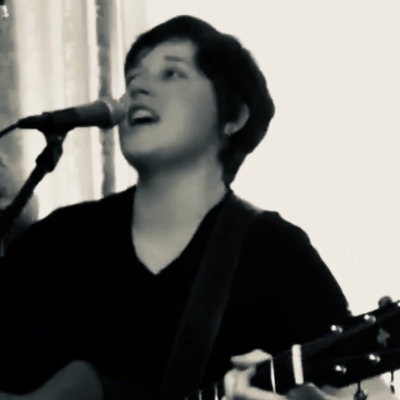 Aimee Live Singing Guitarist