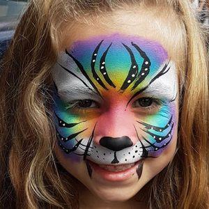 Sparkle & Co. Face Painter
