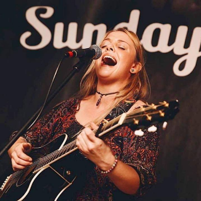 Emma Hay Entertainment Singing Guitarist