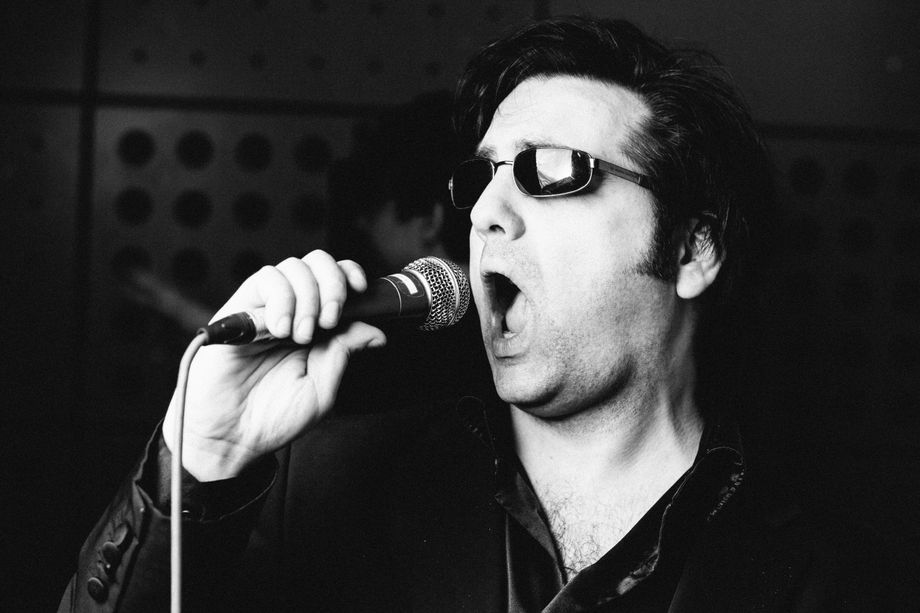 DaniElviS - Elvis Tribute, Singer & Entertainer - Tribute Band Singer Impersonator or Look-a-like  - Greater London - Greater London photo