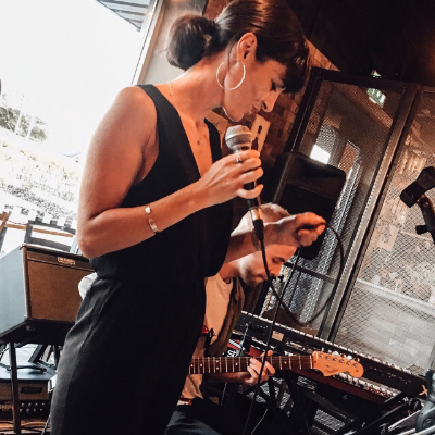 Louise Spiteri Function & Wedding Music Band