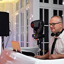 Norfolk Dj Hire DJ
