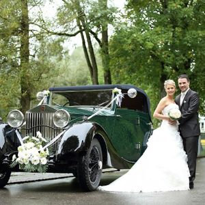 BookAclassic Ltd. Vintage & Classic Wedding Car