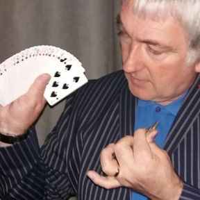 Paul Anthony: Close up Magician - Magician , London,  Close Up Magician, London Wedding Magician, London Table Magician, London Corporate Magician, London