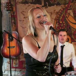 Top Jazz /Vintage Singer -Laura & Band Live music band