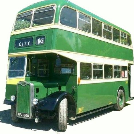Wyvern Omnibus Ltd - Transport , Worcestershire,  Vintage Wedding Car, Worcestershire Party Bus, Worcestershire Chauffeur Driven Car, Worcestershire