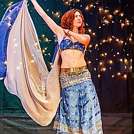 Eleanor Bellydances Belly Dancer