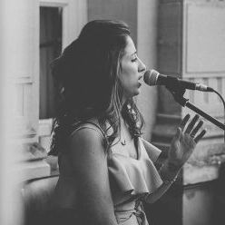 Michelle Williams - Singer , Stourbridge,  Wedding Singer, Stourbridge Live Solo Singer, Stourbridge