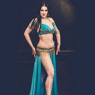 Victoria  Belly Dancer Dance Master Class