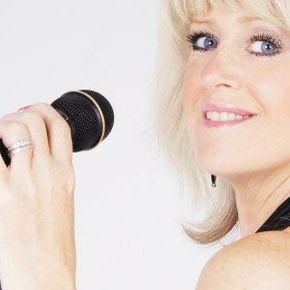 Jayne-Lesley Live Solo Singer