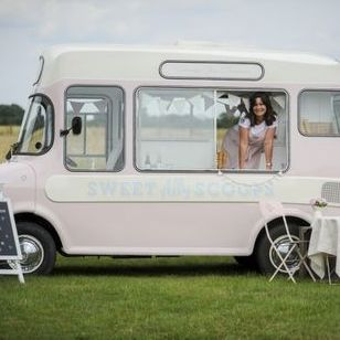 Sweet Ally Scoops Vintage Ice Cream Van - Catering , Cambridgeshire,  Food Van, Cambridgeshire Ice Cream Cart, Cambridgeshire