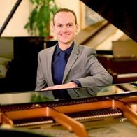 Chris Connelly - Pianist Solo Musician