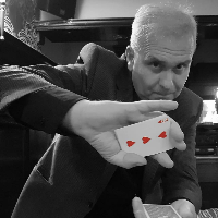 Colin J Hall Magic Close Up Magician