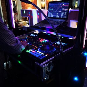 Hits Party Disco's Mobile Disco